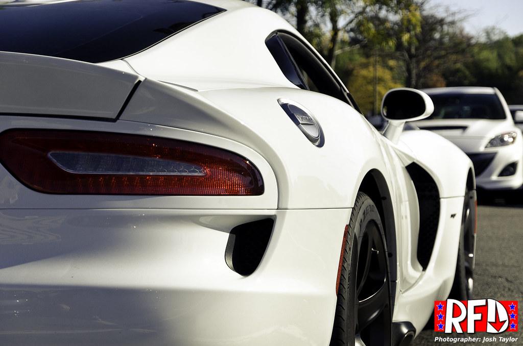 SRT Viper rear quarter