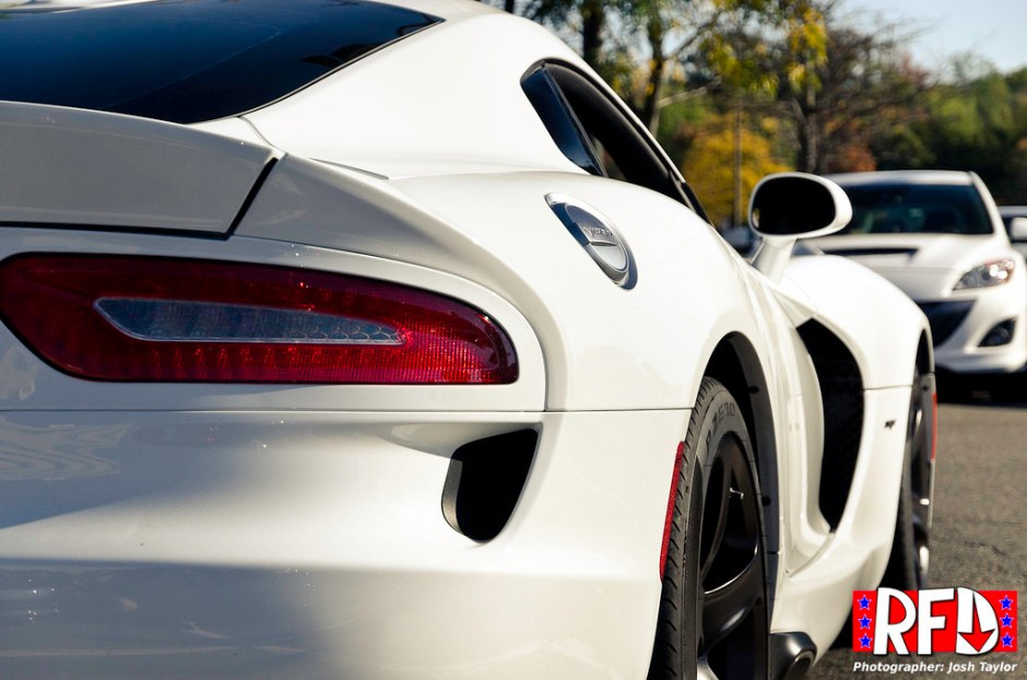 SRT Viper rear quarter