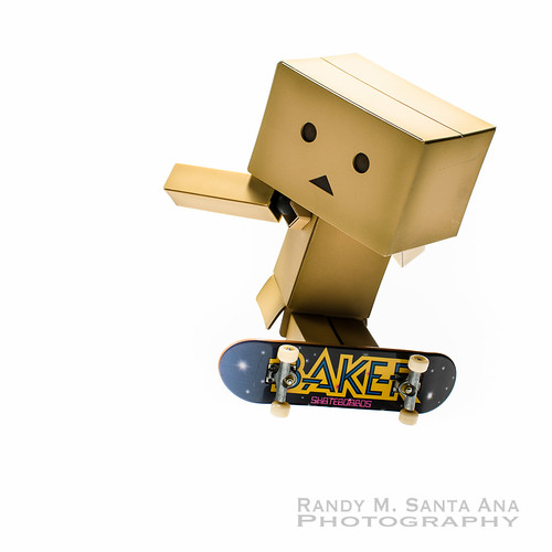 Danbo Skateboard To The Extreme.