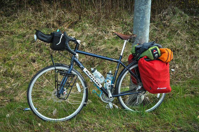 Crosso Twist panniers on a Kona Sutra