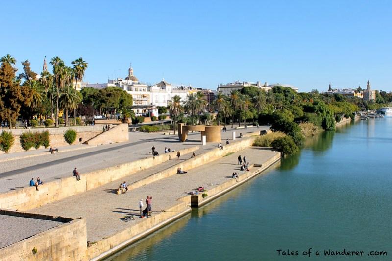 SEVILLA - Muelle de la Sal / Río Guadalquivir