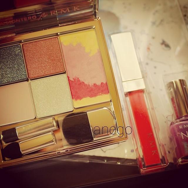 #rmk 今年のコフレがさっき届いたよ😆😘 かわいい~ #makeupkit #coffret #コフレ #アイシャドウ