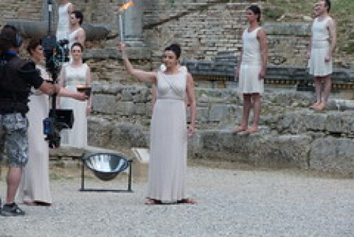 2012 - Olympia olympic lighting flame