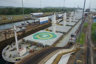 Eclusas de Gatun do Canal do Panamá