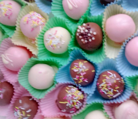 Vanilla cake balls