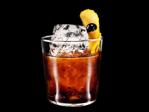 Black Russian: Cóctel de Vodka y Licor de Café