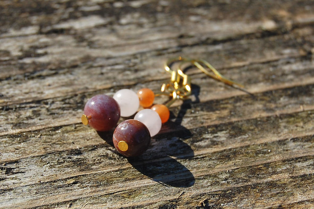 Studio Paars - handmade gemstone earrings / handgemaakte edelsteen oorbellen