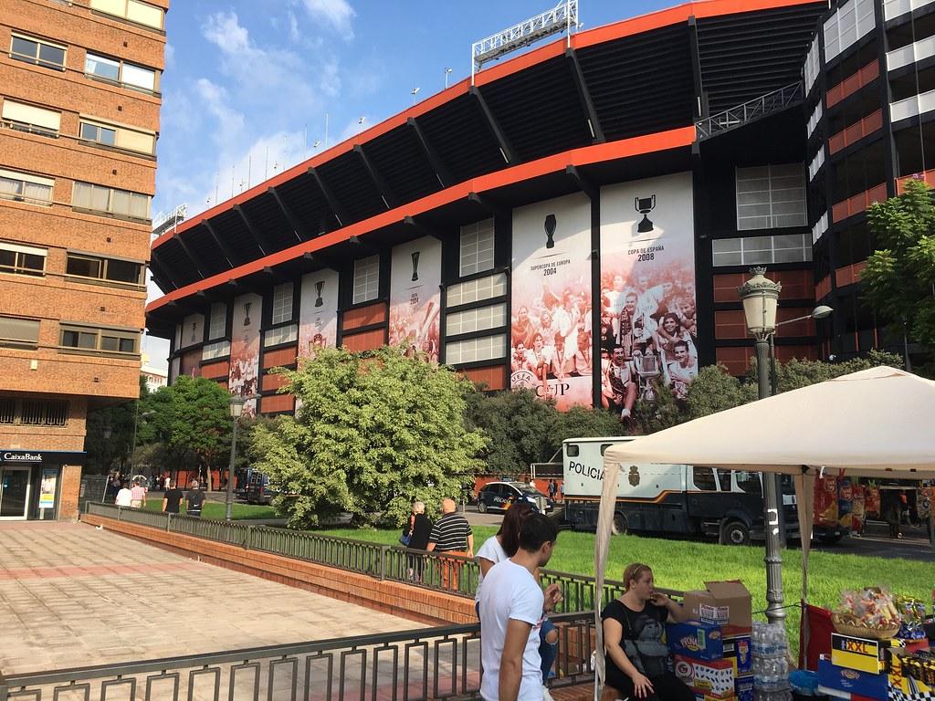 Valencia Mestalla voetbalwedstsrijd