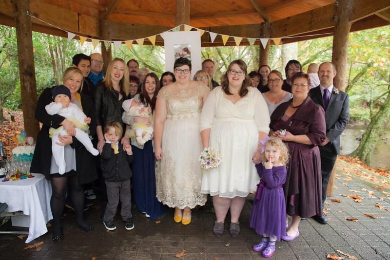 Rainy New Zealand wedding on @offbeatbride