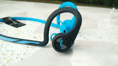 Plantronics BackBeat Fit ด้านขวา