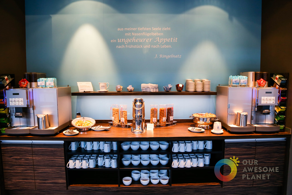 MOTEL ONE Breakfast-1.jpg