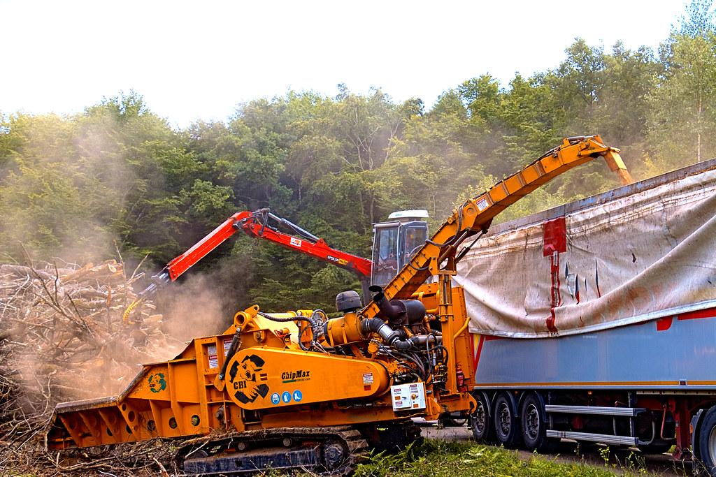 Broyage de bois et blocage de route  Nouvelles en tous genres ~ Entreprise De Broyage De Bois