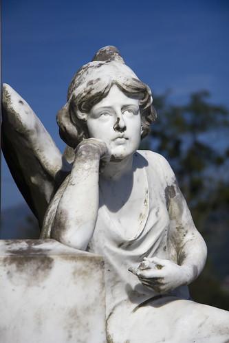 Ángel del cementerio de Elizondo