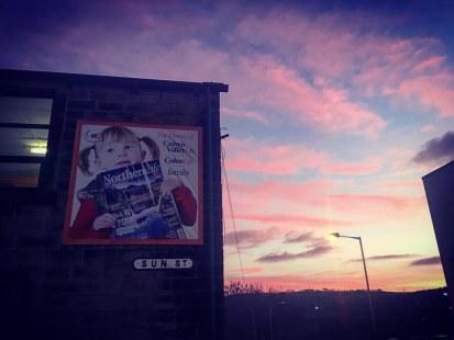 Stunning sky in Colne tonight. 🌃  #northernlife #magazine #colne #lancashire #sunset