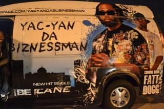 043 Yac-Yan Da Biznessman