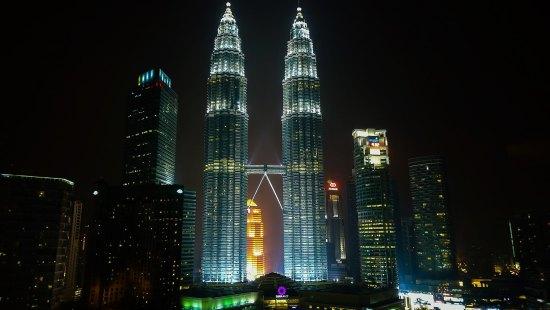 Petronas Twin Towers - Kuala Lumpur ( Malaysia )