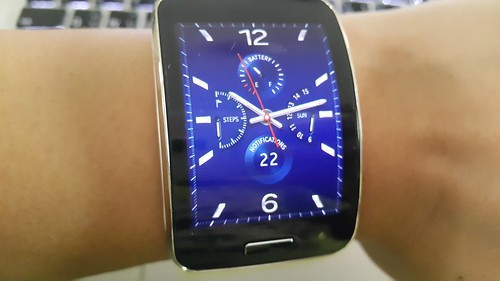 รูปแบบนาฬิกาอนาล็อกบน Galaxy Gear S