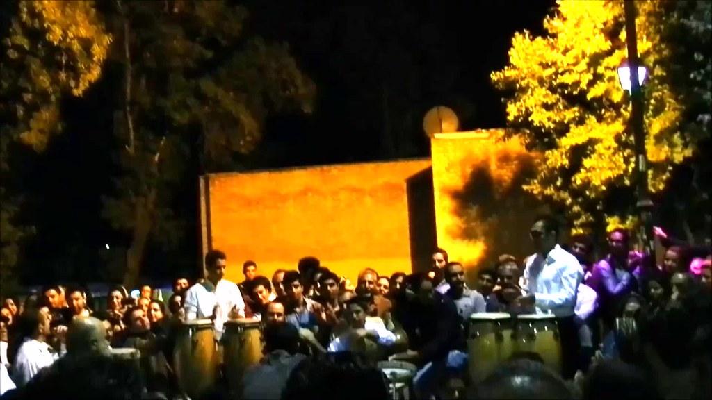 Folklore en las calles de Shiraz Irán video 03