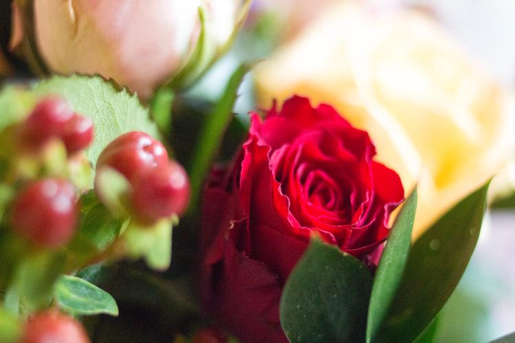 Apple yard London Bouquet red rose