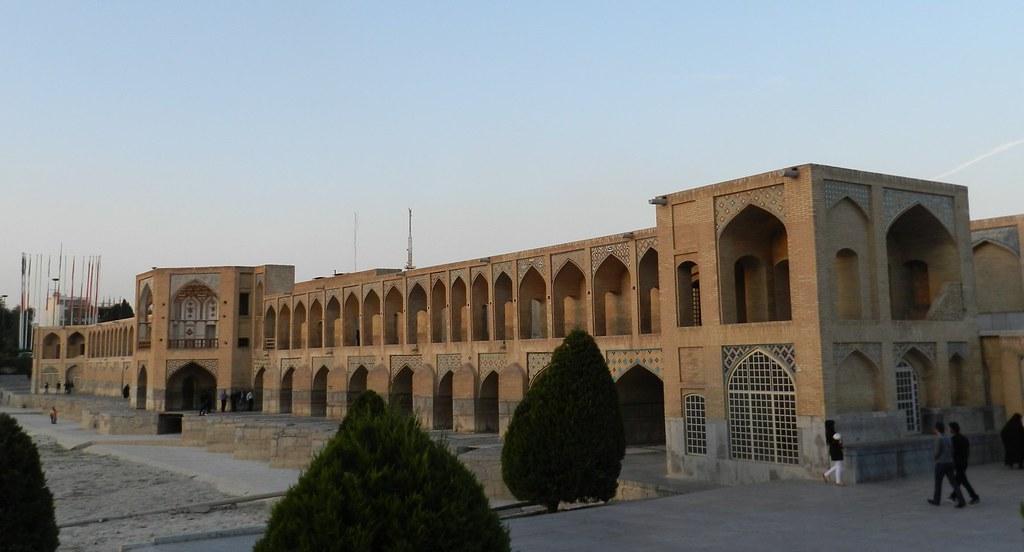 Puente Khaju en Isfahán Irán 03