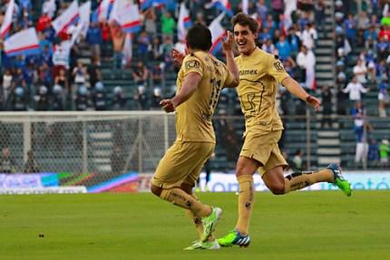 Pumas derrota a Cruz Azul