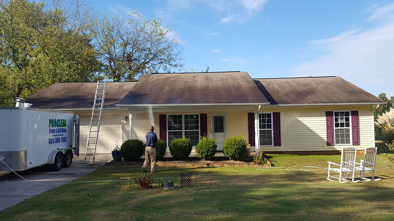 Pressure washing Knoxville before photo