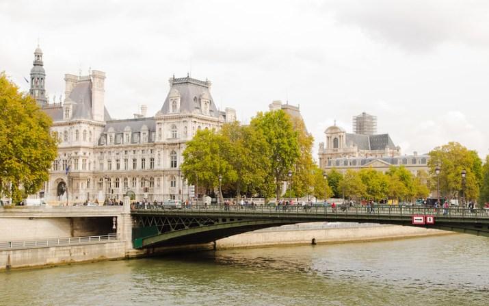 The Seine, Pont d'Arcole and Hôtel de Ville