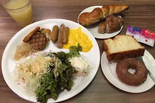 ホテルの朝食〜〜!