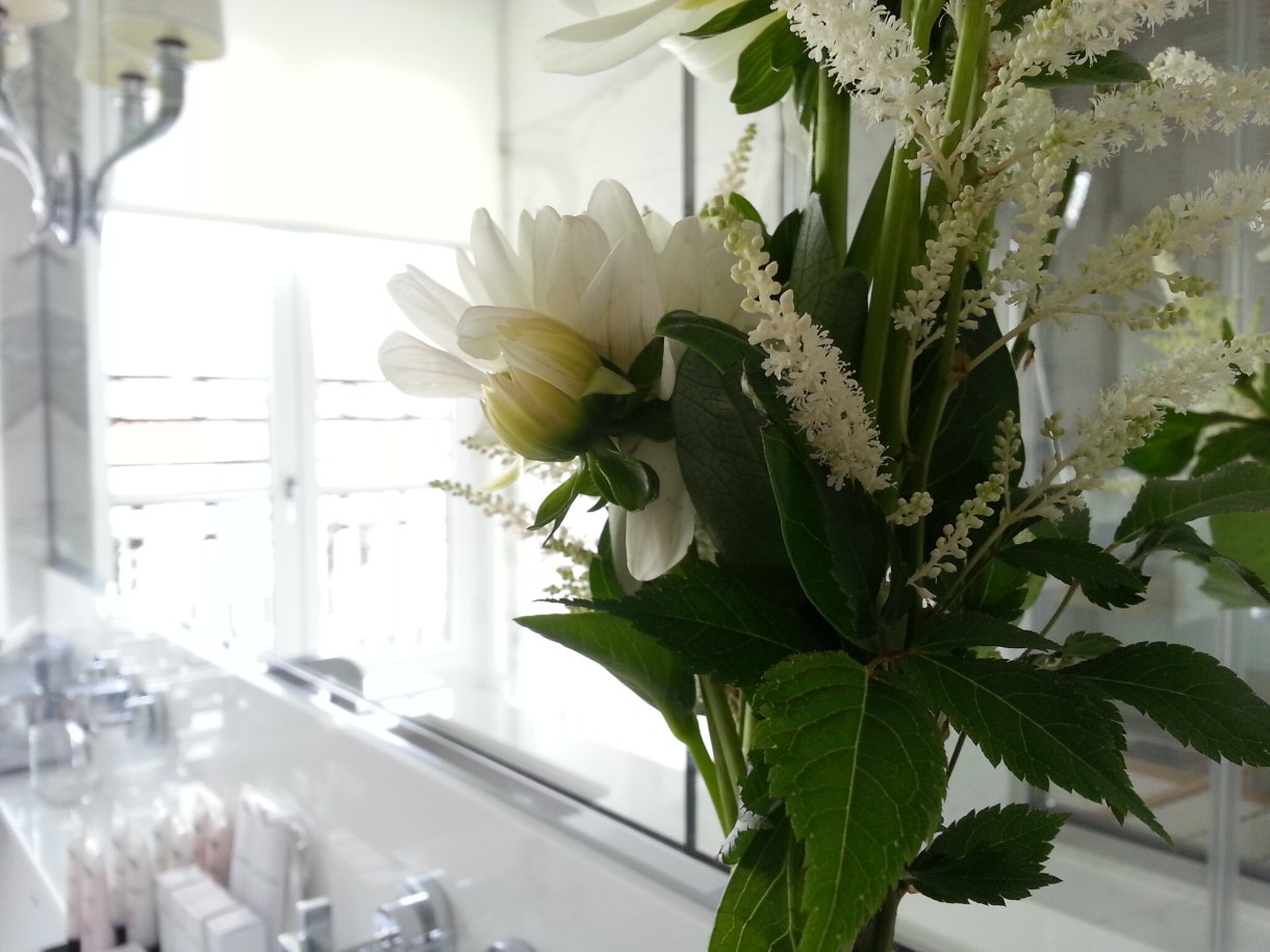 Fresh flowers : Grand Hotel du Palais Royal