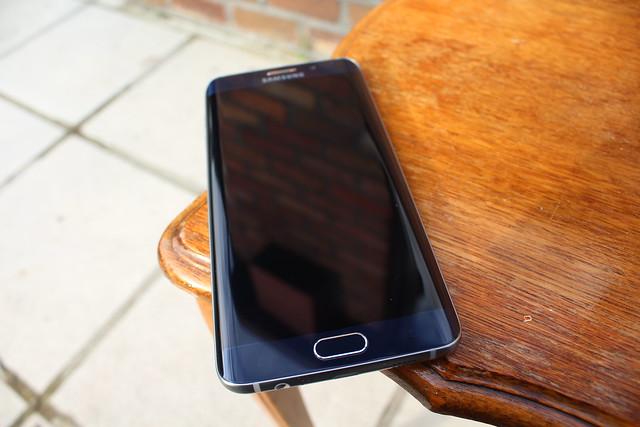 De Samsung Galaxy 6 Edge+, een hele boterham!