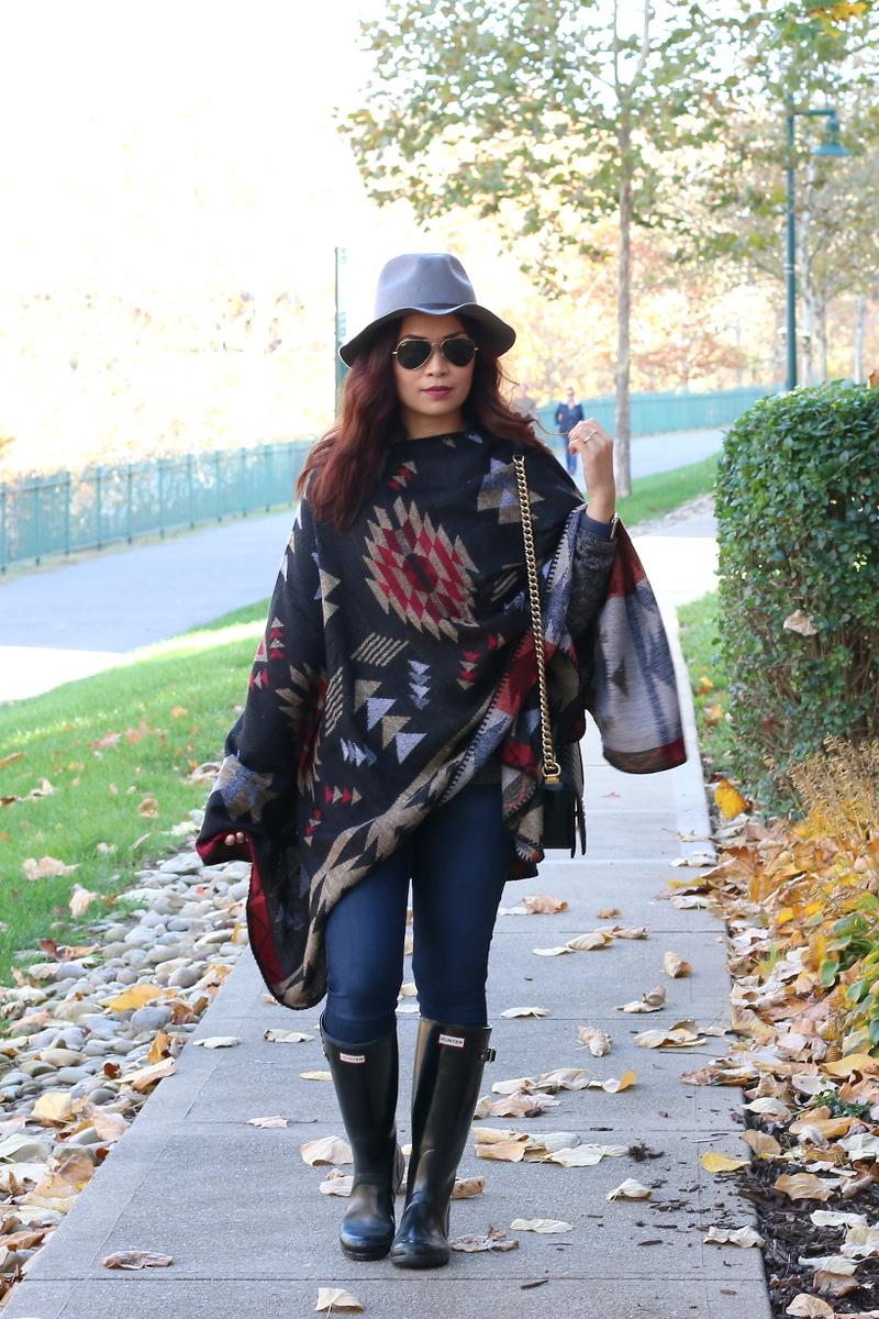 Fall-outfit-poncho-sideways-4