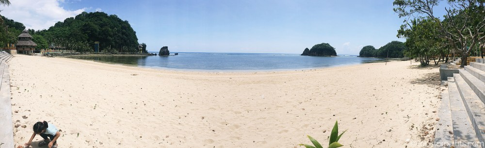 10 October 2015: Twin Rock Beach Resort | Catanduanes, Bicol, Philippines