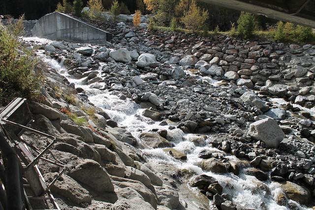river near e25 highway chamonix