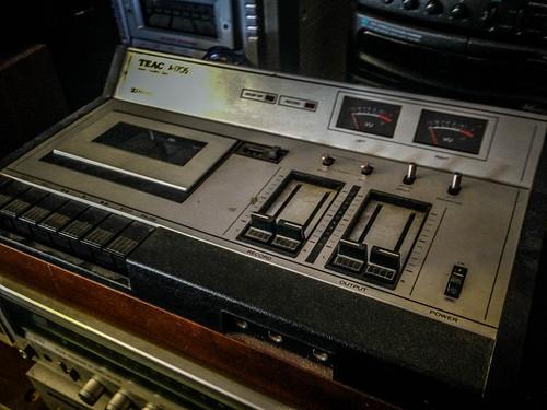 Don Jones Stereo-8