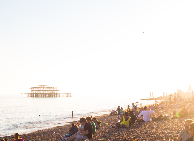 7 brighton sunset crowd 2