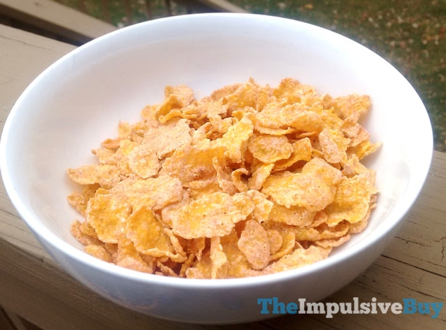 Kellogg's Cinnamon Frosted Flakes 2