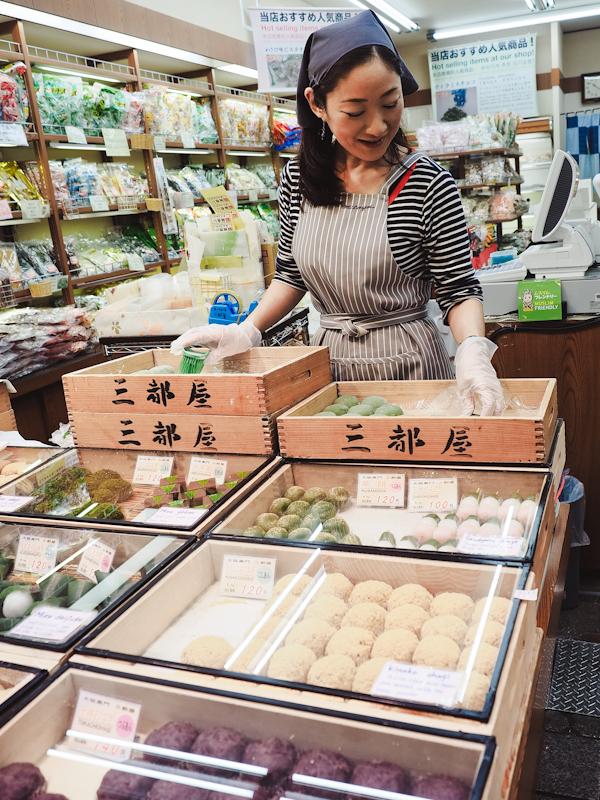 Ichiba-Kuromon-Market-10