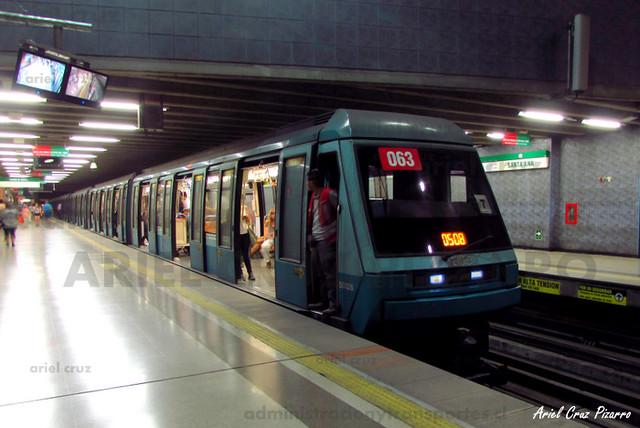 Metro de Santiago - Alstom NS93 N2063 - Santa Ana (L5)