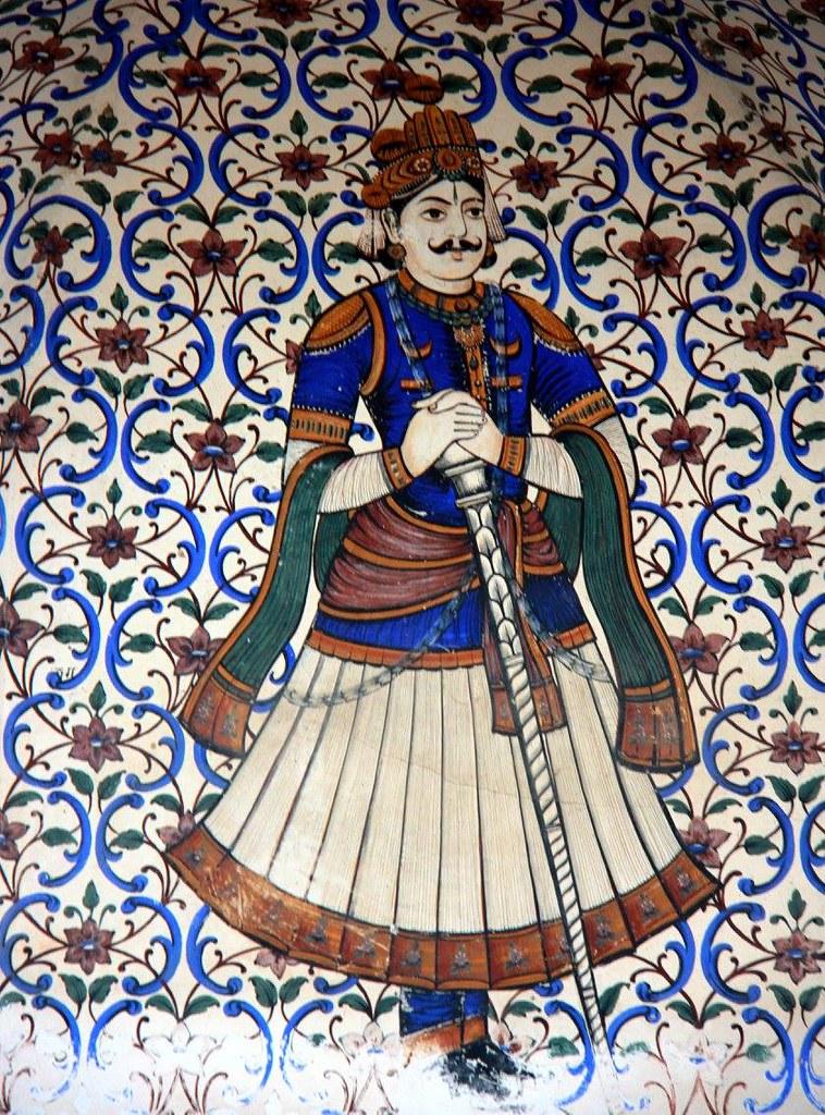 miniatures of the royals at city palace jaipur
