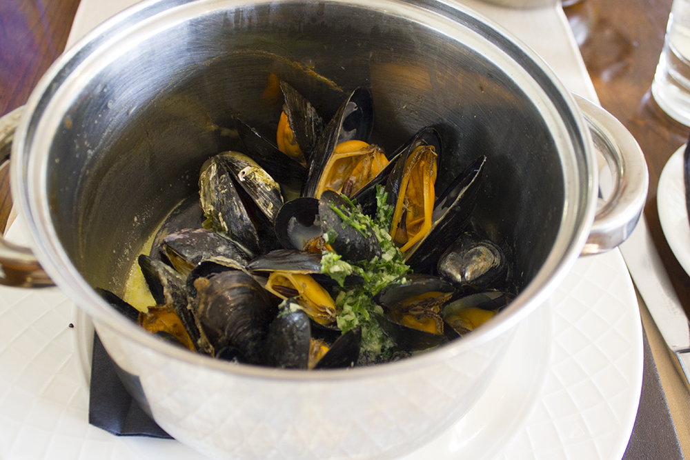 moules-frites-moddershall-oaks-spa-review