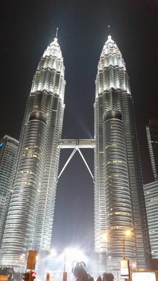 petronas-twin-towers-534266_640