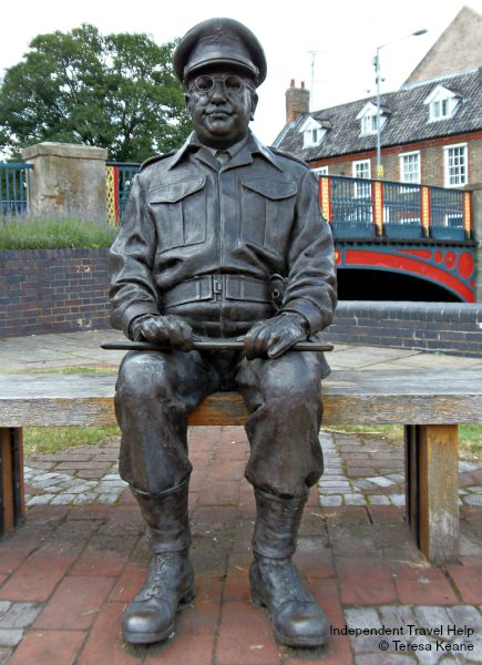 Statue of Captain Mainwaring, Thetford