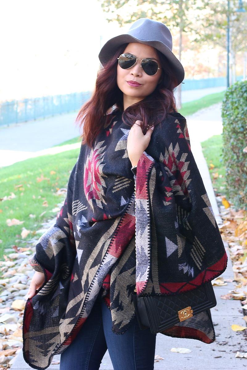 Fall-outfit-poncho-sideways-4c
