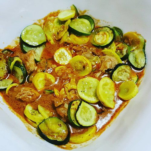 Butter chicken from #costco added some roasted #zucchini was super delicious!  #LazyLowCarb #LowCarb #keto #curry #food #yum #instafood #chicken #protein #glutenfree #nom #dinner #ketodinner #spicy #lchf #sauce #atkins #foodpics #foodie