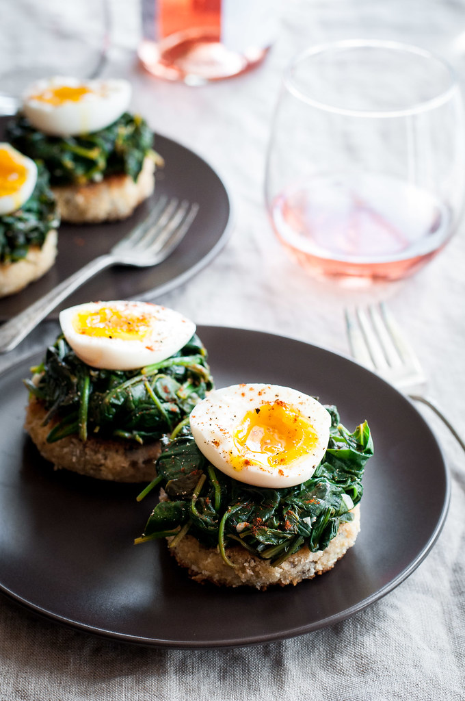 Turn leftover risotto into an amazing brunch--risotto cakes eggs Florentine!