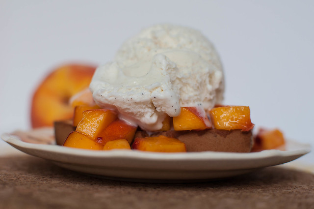 Pound Cake and Peaches Sundae 8