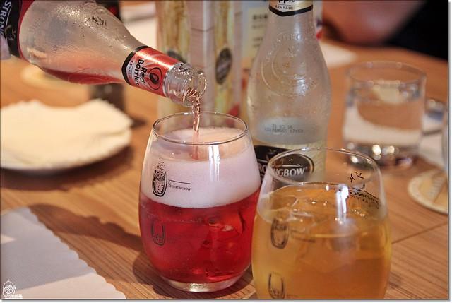 20789005231 f81bd06bce z - 『熱血採訪』南屯區威尼斯歐法料理-低調奢華,隱身在住宅區內的巷弄平價歐法料理,西班牙伊比利豬八分熟粉嫩鮮甜多汁。(已歇業)