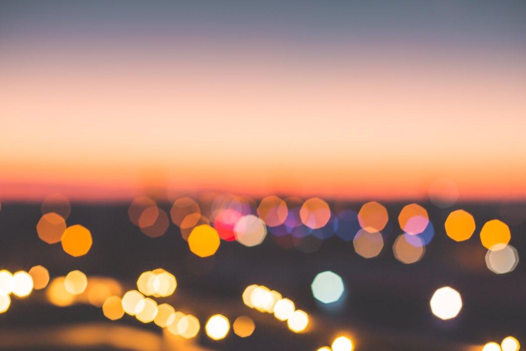 Imagen gratis de luces de ciudad desenfocadas