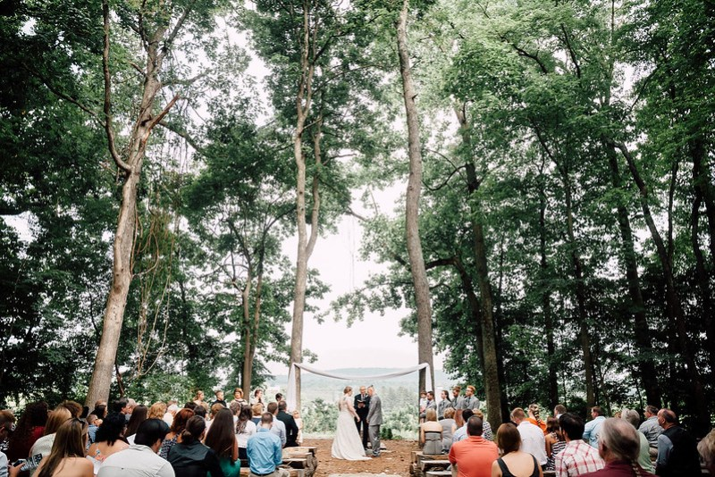 Twin Peaks wedding on @offbeatbride