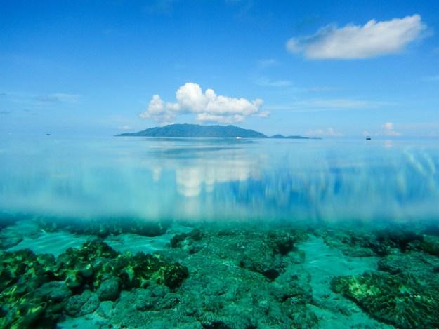Banda Besar and Pulau Hatta underwater.